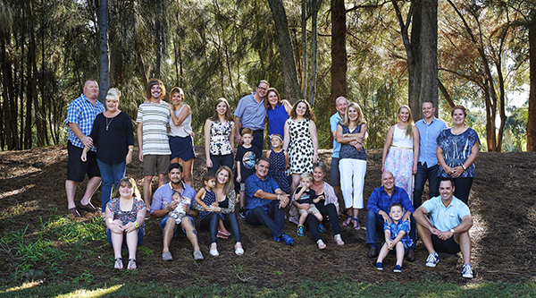 Family_reunion_portrait.jpg